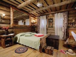 Дизайн дачной комнаты в деревянном доме