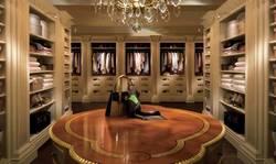 Дизайн большой гардеробной комнаты