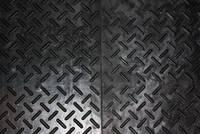 Плиты из резины на полу гаража